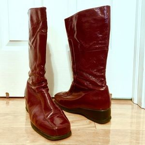 La Canadienne patent leather burgundy boots